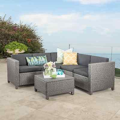 Puerta V-Shaped Sectional Set by