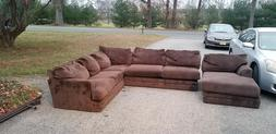 Large sectional couch/sofa/pullout couch/livingroom